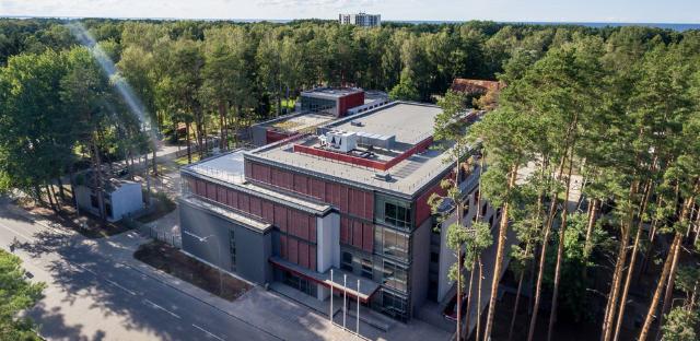 Atklātas jaunas Jūrmalas Mūzikas vidusskolas un centrālās bibliotēkas ēkas