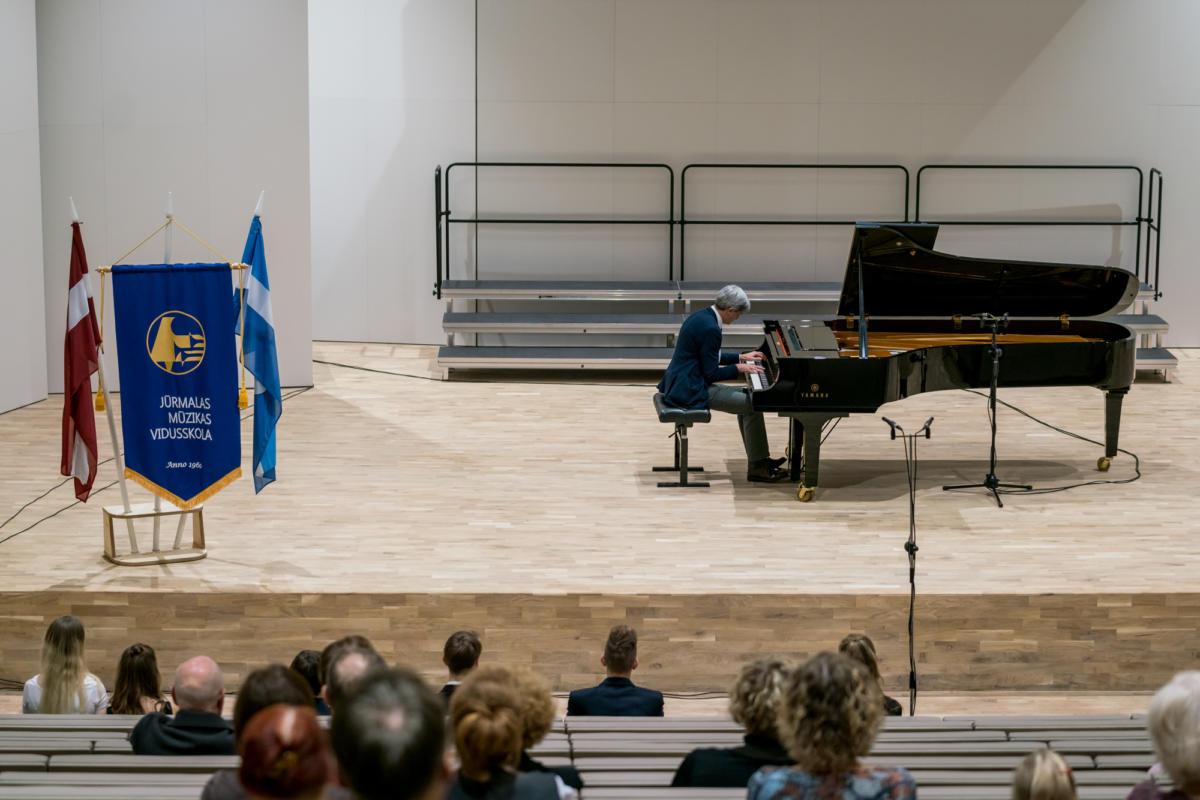 Meistarklases nosleguma koncerts Jurmalas muzikas vidusskola-28