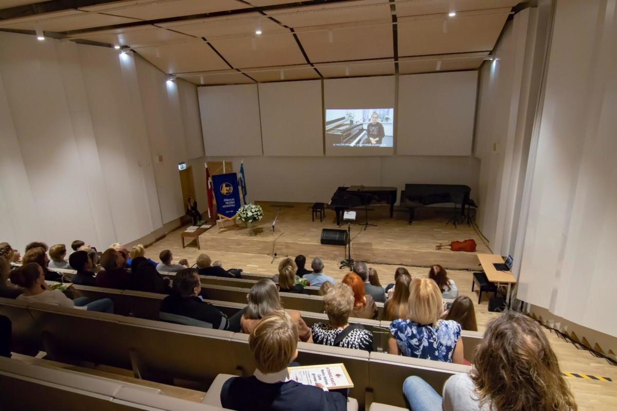 Jūrmalas Mūzikas vidusskolas izcilāko audzēkņu ģimeņu un pedagogu godināšana 14-11-2018