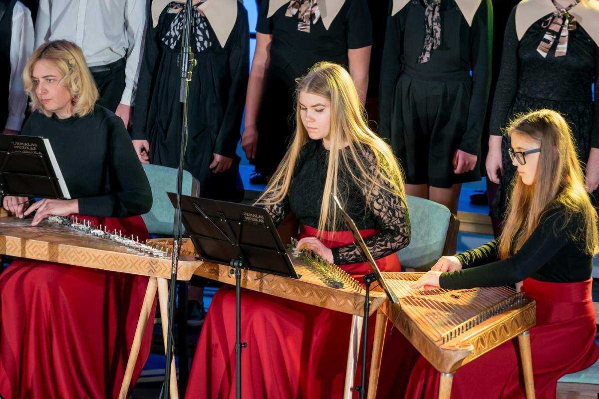 Ziemassvetki Dubultu Kulturas kvartals Muzikas skolas koncerts-35
