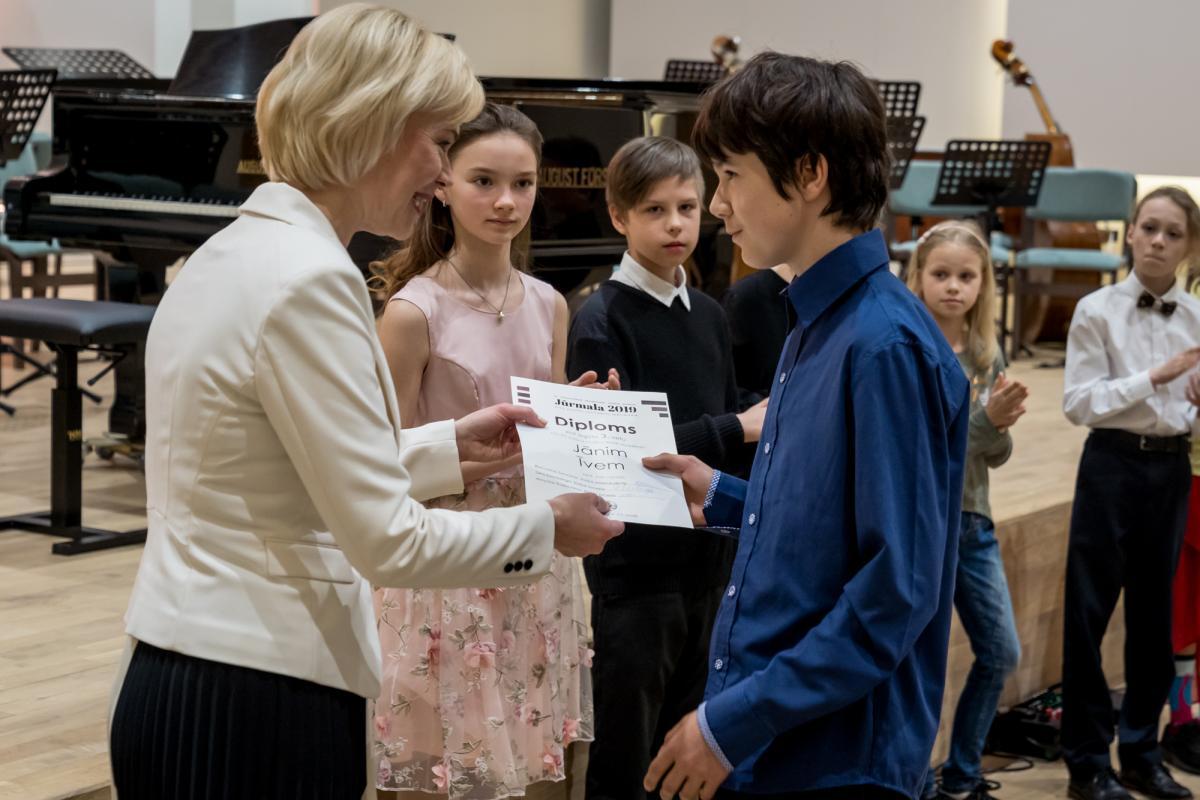 Konkursa apbalvosana Jurmalas Muzikas vidusskola-11