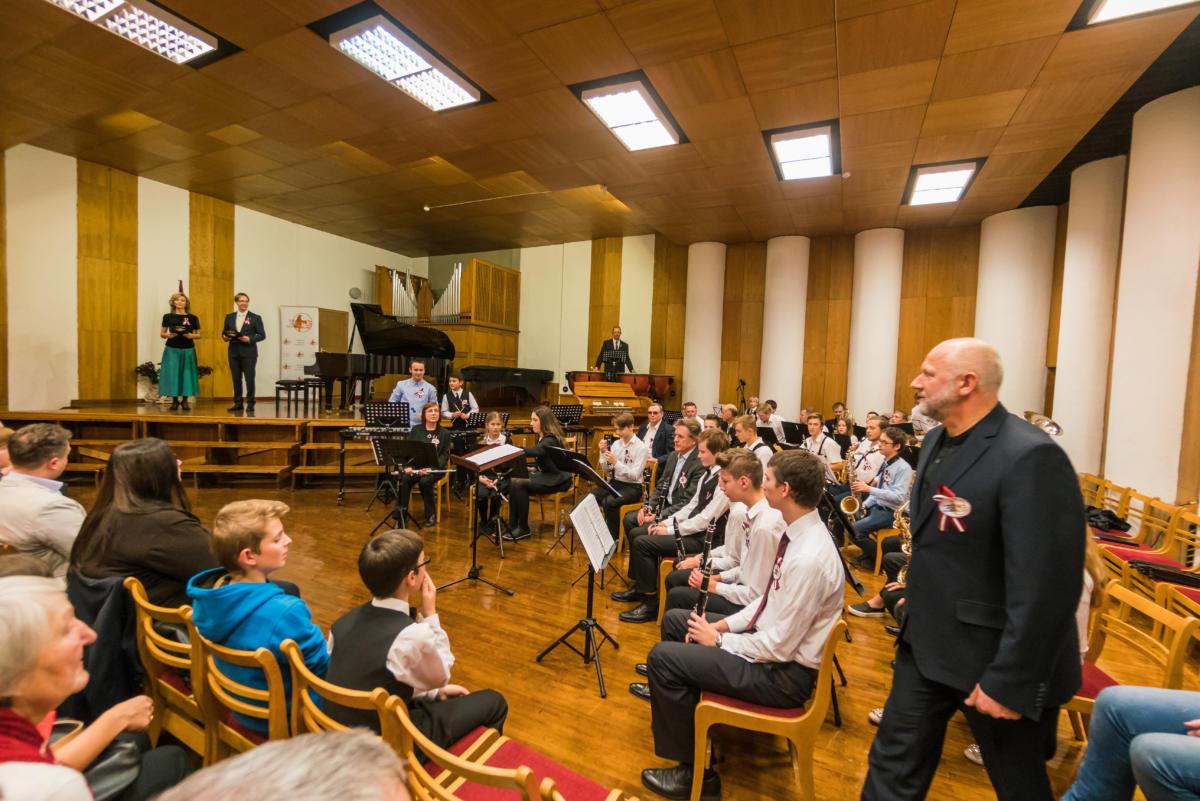 Muzikas-skolas-koncerts-Sai-zeme-man-visa-pasaule-45