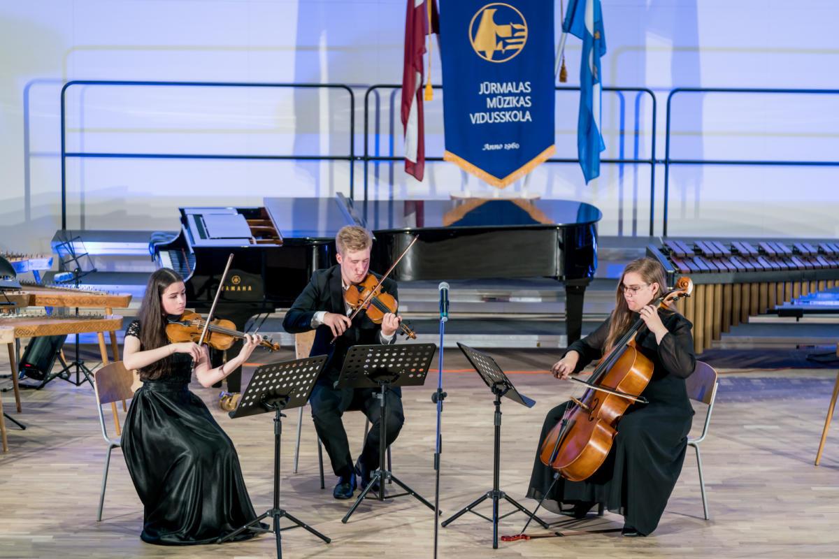 Pirmais-septembris-Muzikas-vidusskola (20)