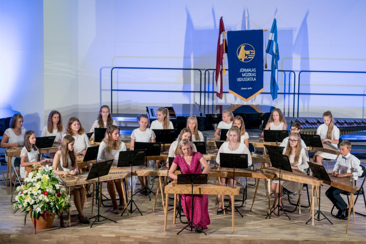 Pirmais-septembris-Muzikas-vidusskola (21)